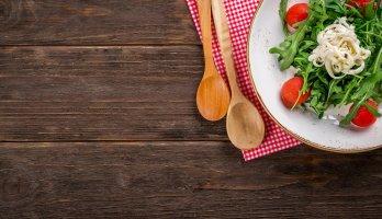 salada é uma das receitas rápidas mais simples